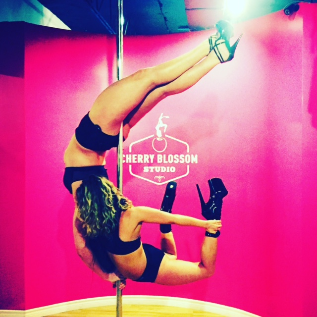 Pole fitness doubless